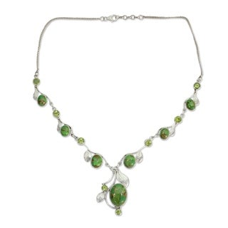Handmade Sterling Silver Dew Blossom Peridot Y Curb Necklace (India)