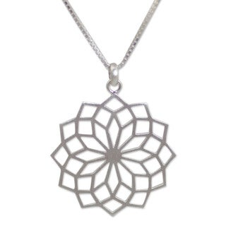 Sterling Silver 'Thai Sparkler' Pendant Necklace (Thailand)