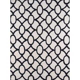 Capri Black Hand-hooked Rug (7'6 x 9'6)