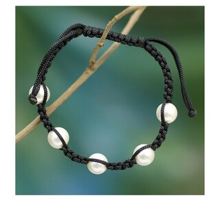 Akoya Pearl 'Purity and Oneness' Shamballa Bracelet (8 mm) (India)