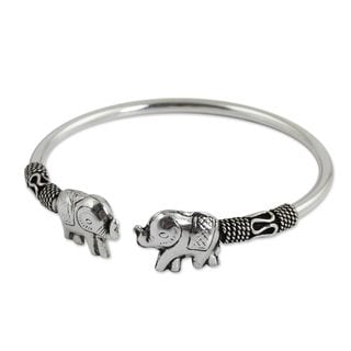 Handcrafted Sterling Silver 'Proud Elephant' Cuff Bracelet (Thailand)