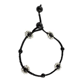 Handcrafted Sterling SIlver 'Blossoming Quartet' Onyx Anklet (India)