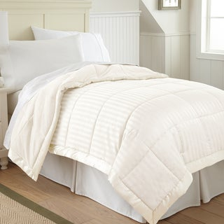 Modern Threads Down Alternative Blanket with Fleece Reverse