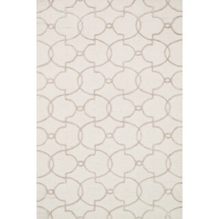 Hand-hooked Carolyn Ivory/ Silver Trellis Rug (5'0 x 7'6)