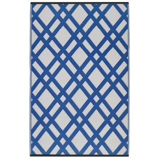 Dublin Dazzling Blue and White Area Rug (5' x 8')