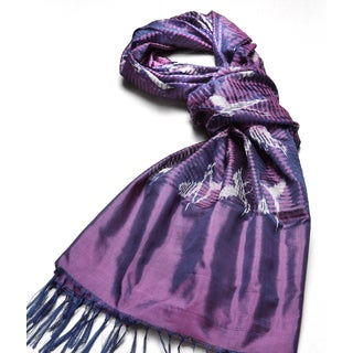 Mela Artisans Hand-woven Malika Silk Scarf in Iris (India)
