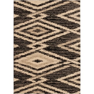 Loft New City Diamond Design Black Polypropylene Rug (7'10 x 10')