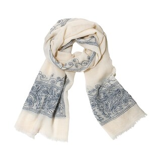 Mela Artisans Hand-woven Wool Lily Scarf (India)