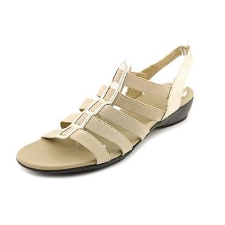 Munro American Women's 'Darian' Leather Dress Shoes - Narrow