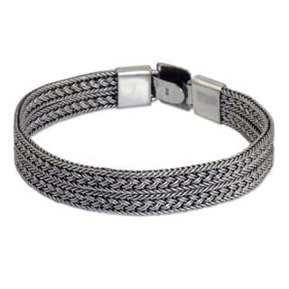 Men's Handcrafted Sterling Silver 'Distinction' Bracelet (Thailand)