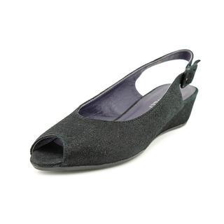 Vaneli Women's 'Elrica' Basic Textile Dress Shoes