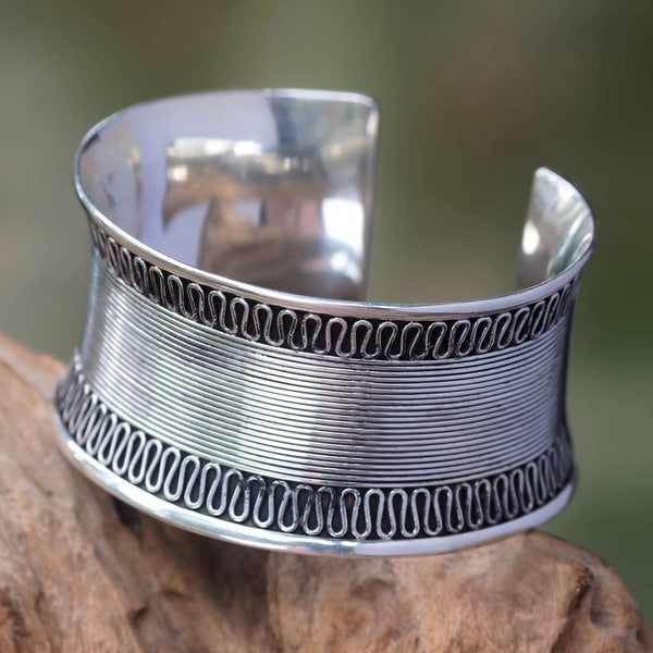 Handcrafted Sterling Silver 'Sukawati Lace' Cuff Bracelet (Indonesia)