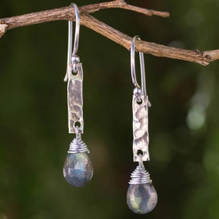 Handcrafted Labradorite 'Enchanted Spirit' Dangle Earrings (Thailand)