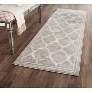 Safavieh Indoor/ Outdoor Amherst Grey/ Light Grey Rug (2'3 x 7')