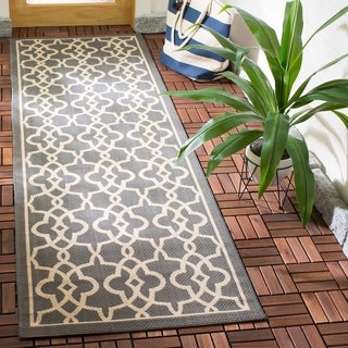 Safavieh Indoor/ Outdoor Courtyard Grey/ Beige Rug (2'7 x 8'2)