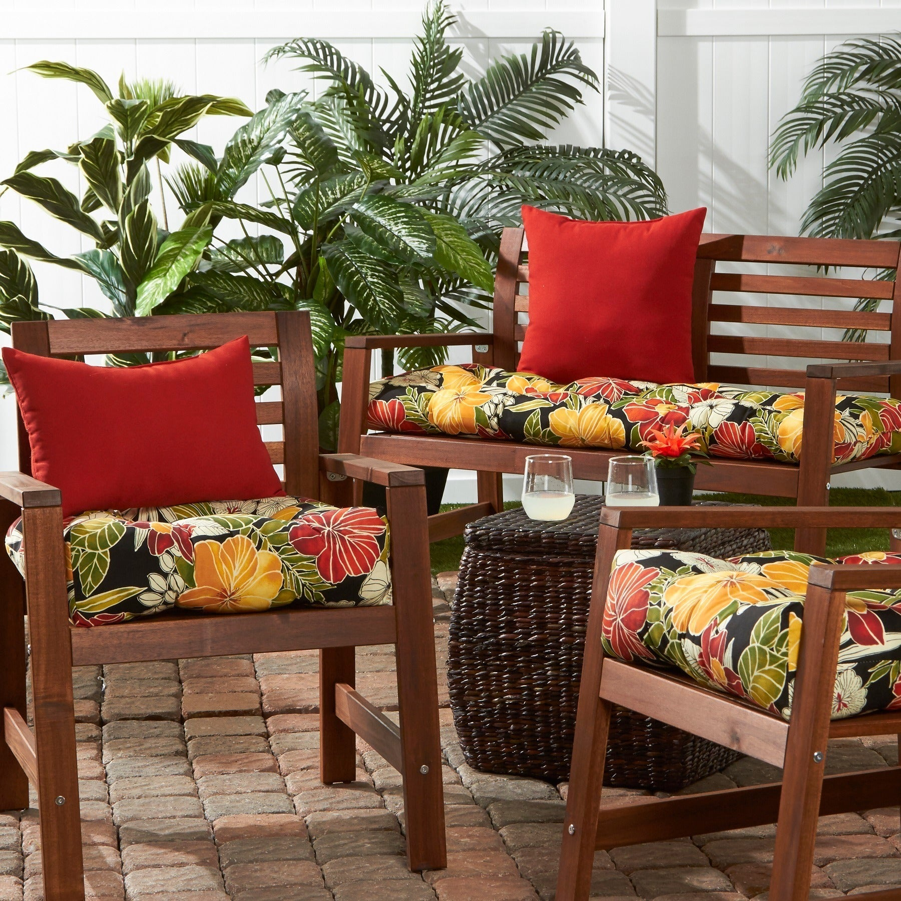 Havenside Home San Elijo Tropical Pattern 20-inch Outdoor