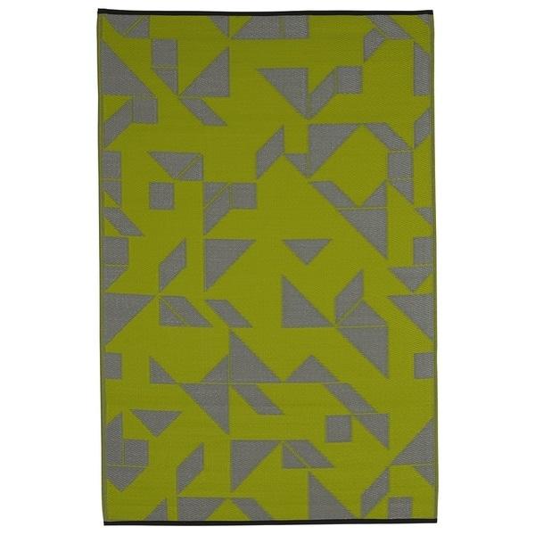 Indo Santa Cruz Lime and Grey Geometric Area Rug (6' x 9')