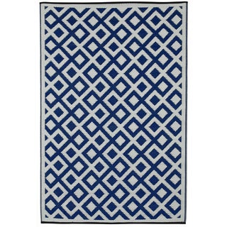 Indo Marina Indigo and Bright White Area Rug (5' x 8')