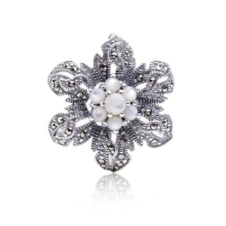 Blue Box Jewels Pearl Flower Shaped Brooch Pendant