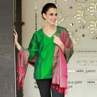 Handcrafted Varanasi Silk 'Emerald Glory' Shawl (India)