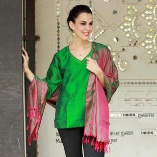 Handcrafted Varanasi Silk 'Emerald Glory' Shawl (India)