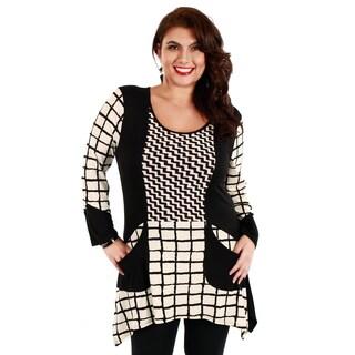 Woman's Plus Size Black/ White 3/4 Sleeve Top