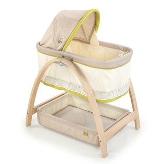Summer Infant Bentwood Bassinet with Motion Bear Buddies