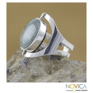 Handcrafted Sterling Silver 'Dual Spirit' Jade Ring (Guatemala)