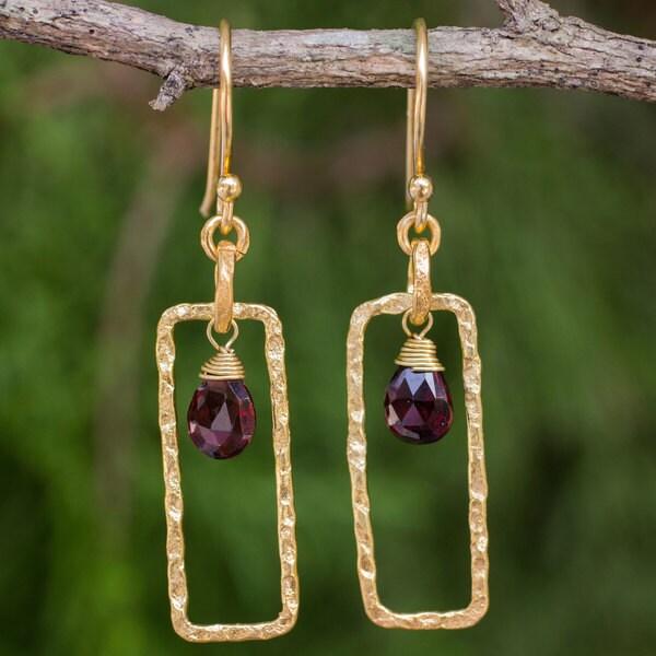 Handcrafted Gold Overlay 'Crimson Window' Garnet Earrings (Thailand)