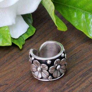 Handcrafted Silver 'Baroque Bouquet' Ring (Mexico)