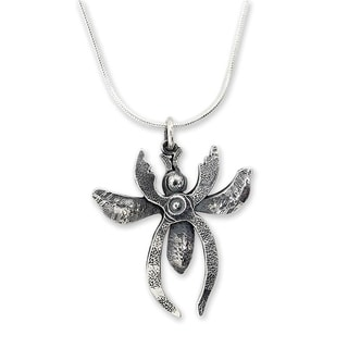 Handcrafted Sterling Silver 'Plier Bee' Necklace (Mexico)