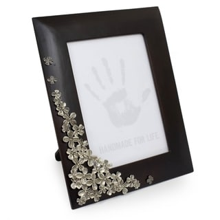 Handcrafted Mango Wood Pewter 'Summer Clover' Photo Frame (5 x 7) (Thailand)
