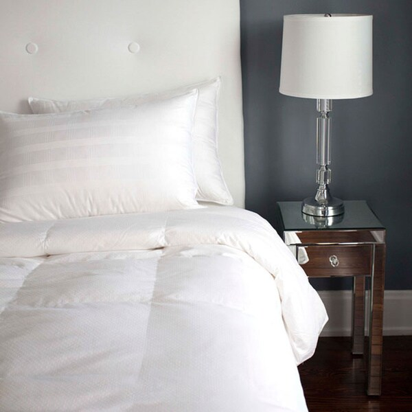 Tommy Bahama Luxury Winter White Down Baffle Box Comforter/ Oversized King Size(As Is Item)