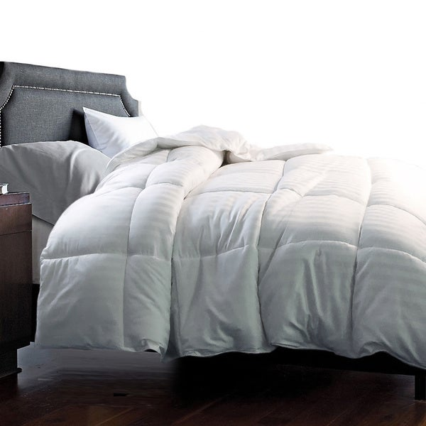 Hotel Grand 350 Thread Count Damask White Goose Down Blend Comforter Full/Queen (As Is Item)