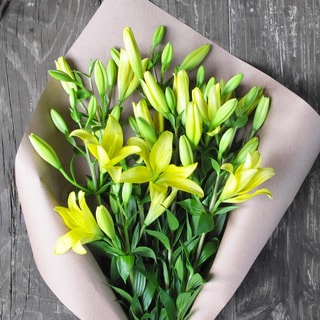 The Bouqs Volcano Collection 'Pow' Deluxe Lily Bouquet
