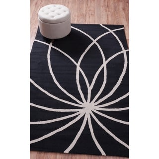 Well-woven Hand-hooked Waves and Lines Seamless Swirls Modern Black Geometric Polyester Rug (5' x 7'6)