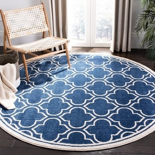 Safavieh Indoor/ Outdoor Amherst Navy/ Ivory Rug (7' Round)