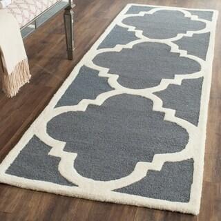 Safavieh Handmade Cambridge Dark Grey/ Ivory Wool Rug (2'6 x 8')