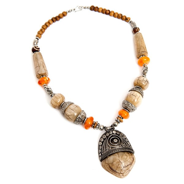 Handcrafted Beige Beaded Pendant Necklace (India)