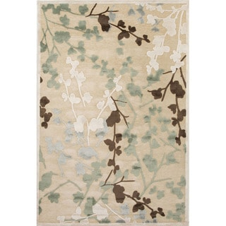 Floral Pattern Ivory/ White Area Rug (5' x 7'6)