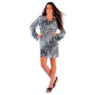 1 World Sarongs Women's Black/ White Animal Print Tunic Cover-up (Indonesia)