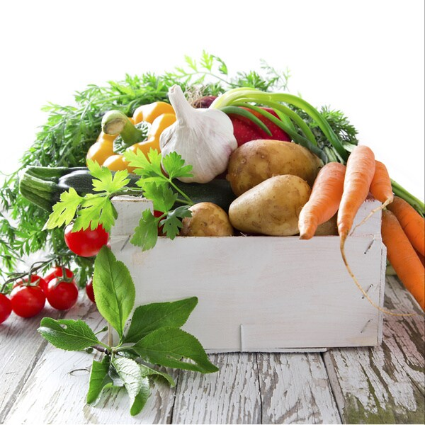 This Week's Harvest Certified Organic Fresh Farmers Market Veggie Bundle (Local Delivery)