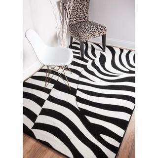 Well Woven Mano Shades of Grey Zebra Wave Black Polypropylene Rug (5'3 x 7'3)