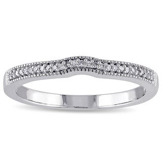 Miadora 10k White Gold 1/10ct TDW Diamond Curved Band (G-H, I2-I3)