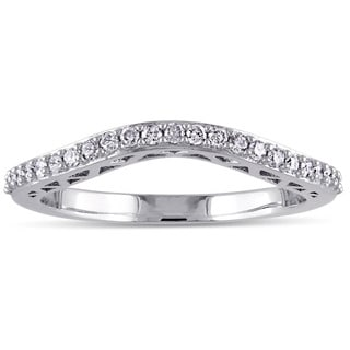 Miadora 10k White Gold 1/5ct TDW Diamond Curved Wedding Band (G-H, I2-I3)