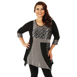 Woman's Plus-size Mixed Leopard Pattern 3/4 Sleeve Top