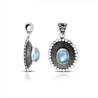 Handmade .925 Sterling Silver Bali Oval Rainbow Moonstone Pendant (Indonesia)