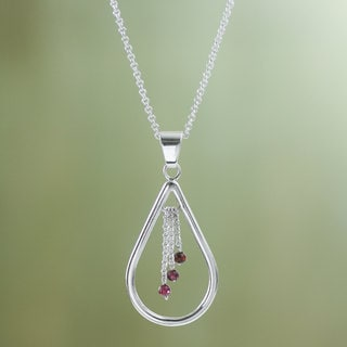 Sterling Silver 'Waterfall' Garnet Necklace (Peru)