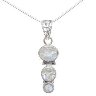 Handmade Sterling Silver Rainbow Moonstone Pendant (India)