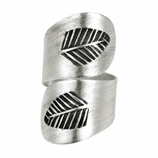 Nature's Embrace Thai Karen Fine Silver Leaf Ring (Thailand)